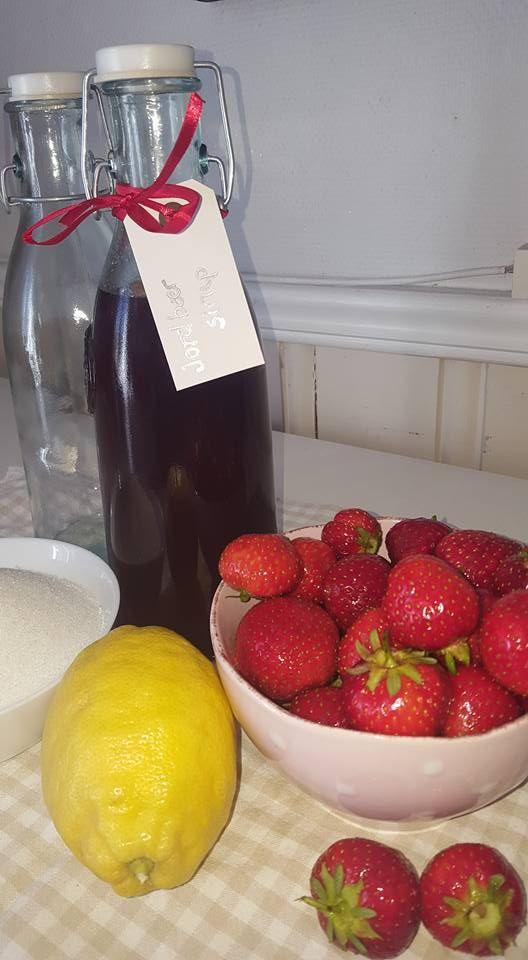 Gro's hjemmelagde jordbærsirup (DAMER-for faen)