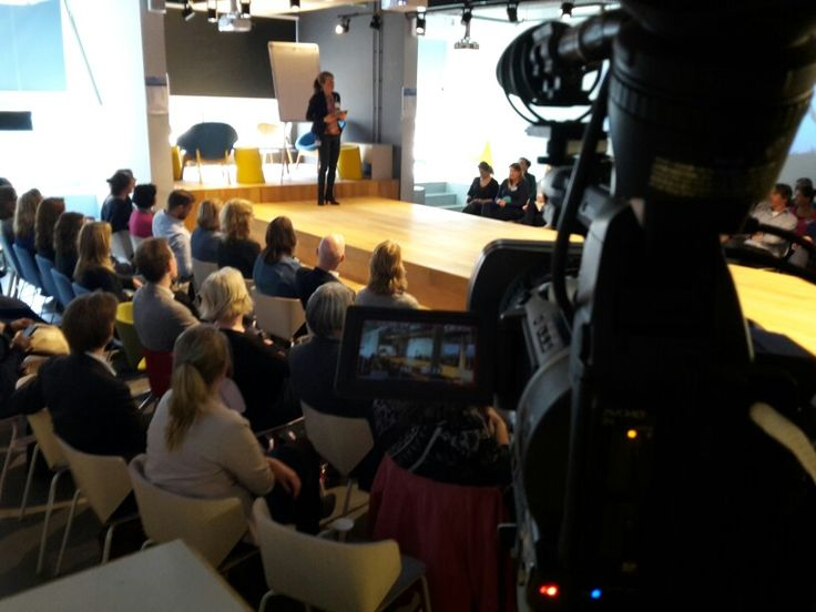 Filming at the 'De Hark Voorbij' session with a lot of collegues from the Departement of Security and Justice in The Hague at april 19th 2016.