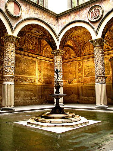Vasari Courtyard, Florence , province of Florence Tuscany region Italy // Florence, the loveliest city in Italy...