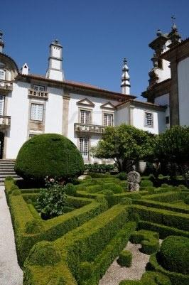 Portugal, jardín de palacio de Mateus en Vila Real