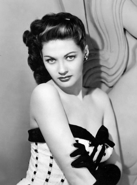 Yvonne De Carlo - c. 1940s (recognize her? this is Lily Munster!)