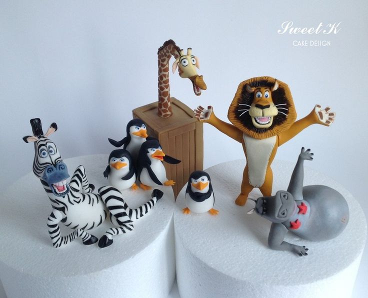 Madagascar - by Karla (Sweet K) @ CakesDecor.com - cake decorating website