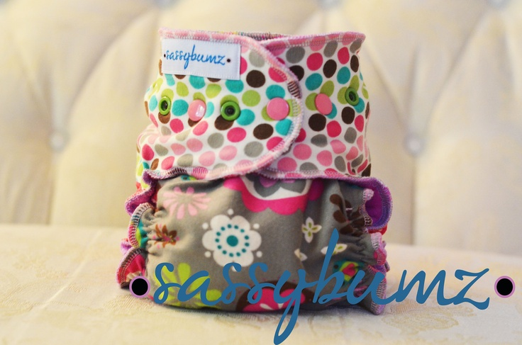 The Roxy Natural Cloth Diaper FREE DOMESTIC SHIPPING. $34.00, via Etsy.