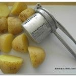 Como espremer batata com a casca