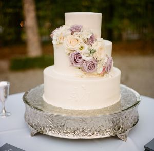 Cream and Lavender Wedding Cake | photography by http://www.abryanphoto.com