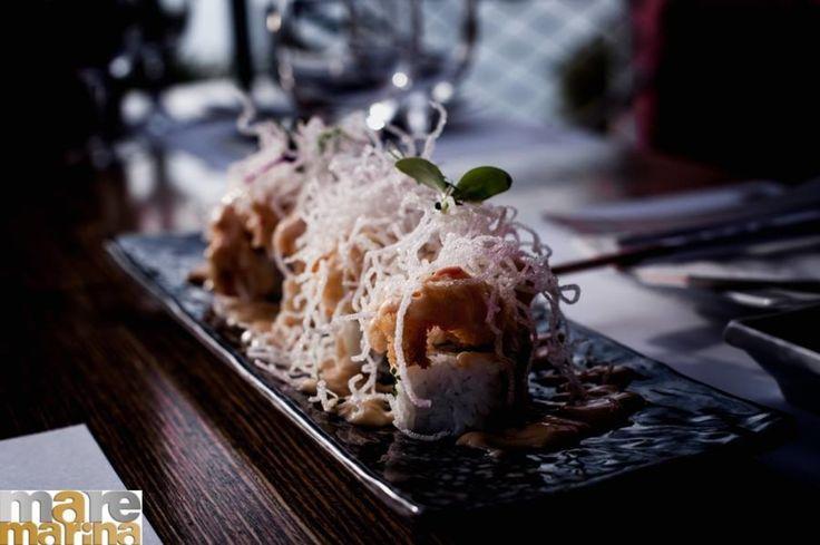 ΚΑΜΙΚΑΖΙ  Boiled shrimp whit cucumber and avocado topped with tempura shrimp and sweet mayo  Origami Sushi Bar The Perfect Place to Be 21 0982 2220 info@maremarina.gr http://ift.tt/2r8ctYc #Origami_sushi_bar #OrigamiSushiBar #MarinaFloisvou #Taste #Bite #Fresh #OrigamiSushiBar #Floisvos #Sushi #Taste #Mood