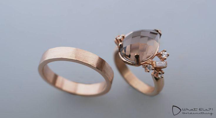 Rosegouden trouwringen met rookkwarts en briljant- en baguette geslepen diamant, de perfecte combinatie voor een perfect huwelijk.