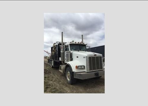 2006 Peterbilt 389 for sale by owner on Heavy Equipment Registry  http://www.heavyequipmentregistry.com/heavy-equipment/14562.htm