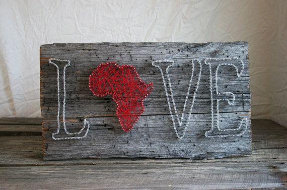 String Art 12 x 24 amor África en granero de por RambleandRoost
