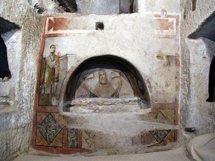 Catacombe di San Gennaro, Napoli. L'affreschi dell'inizio del VI secolo. San Paolo e una donna vescovo Cerula