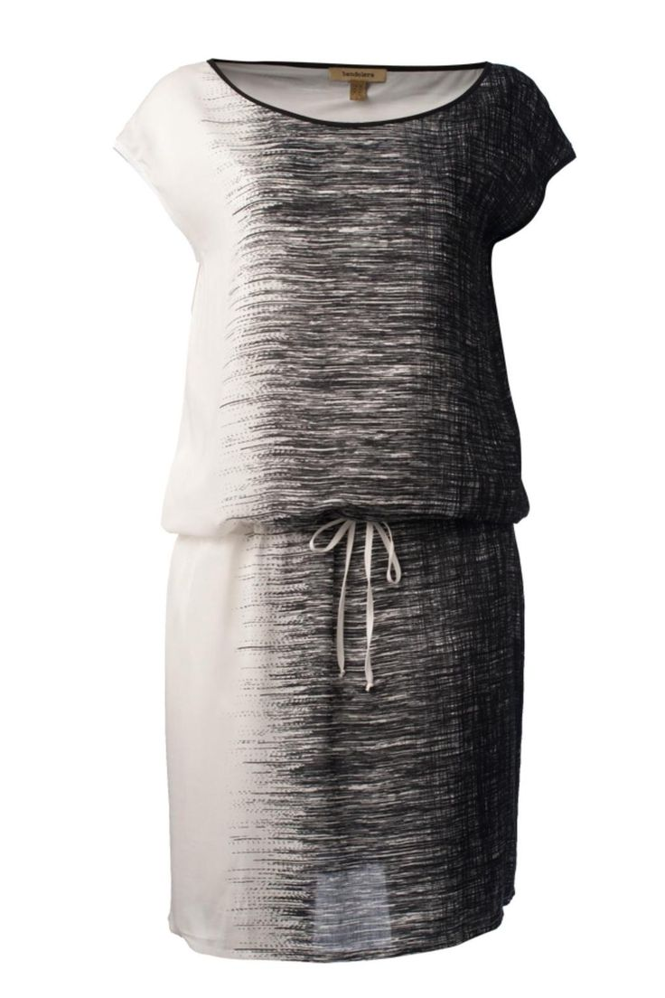 Sleeveless black & white dress, style it with your favorite flats or high heels Loose Fit Dress  by Bandolera. Clothing - Dresses - Knee Clothing - Dresses - Casual Washington