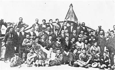 Settembre 1920. Operai Metallurgici bolognesi partecipanti all'occupazione delle fabbriche