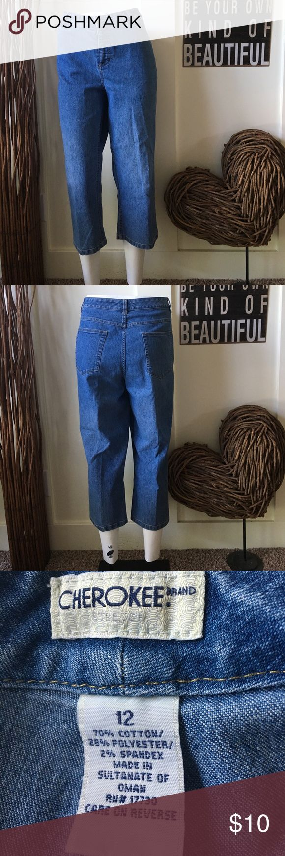 Cherokee medium wash five pocket cropped jeans Cherokee brand five pocket medium wash cropped denim jeans have a bit  of spandex for comfort and a slightly wider leg for a comfortable fit.  the inseam measures approximately 22 inches Cherokee Jeans Ankle & Cropped