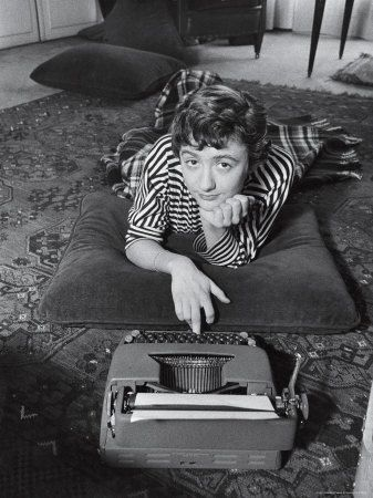 Françoise Sagan, auteur de Bonjour Tristesse.: Books, Sagan Typewriters, Author Françoi, Françoise Sagan, Françoi Sagan, Writing, Francoise Sagan, 02 Writers, Francois Sagan