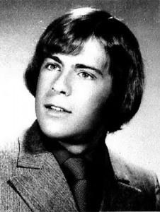 Bruce Willis...where?? This guy? No way!! lol...amazing