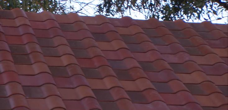Lastly Tesla S Tuscan Glass Tile Offering The Roof Shown At The Event Wasn T Exclusively Made Up Of Tesla S Tuscan T Solar Panels Solar Roof Tesla Solar Roof