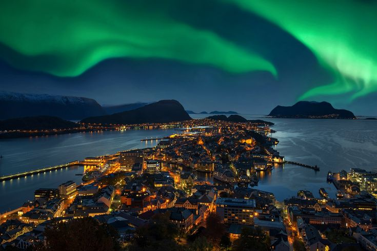 Aurora boreale vista dalla Norvegia #aurora #borealis #norway #luigimasciotta