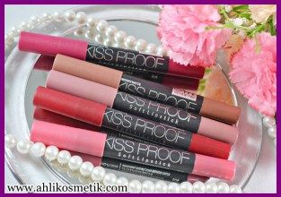 4.Cantiknya Bibir pakai Kiss Proof Lipstick