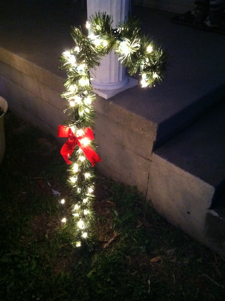 Hanging Outdoor Christmas Lights
