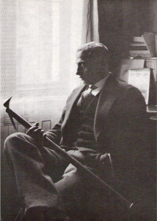 Paul Preuß in seiner Wohnung in der Adalbertstraße 92 in München im Winter 1912