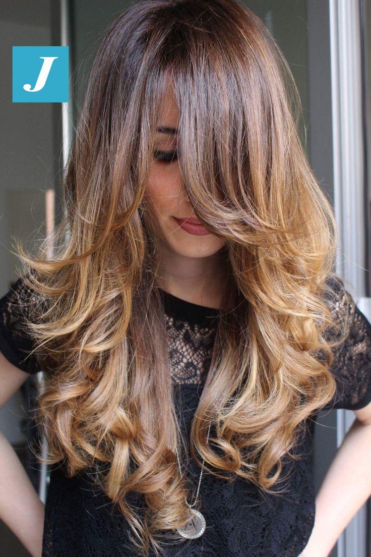 Il Taglio Punte Aria mantiene la lunghezza dei capelli, creando quella pienezza delle punte che rende i capelli sani e splendidi per avere uno styling perfetto anche a casa. Il Degradé Joelle dona ai capelli le sfumature che desideri. #cdj #degradejoelle