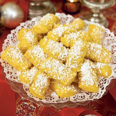 Små söta kakor som liknar finska pinnar, men med smak av saffran och kokos. %0A