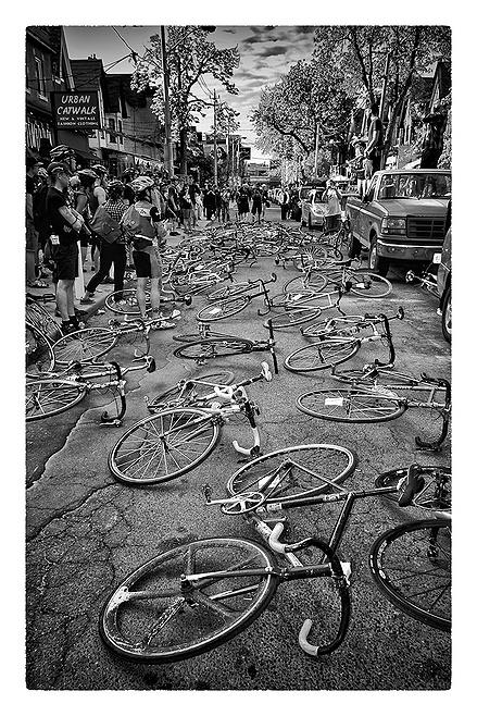 Pedalers' Paradise sau: Bitigle, ticle, bici, bicle