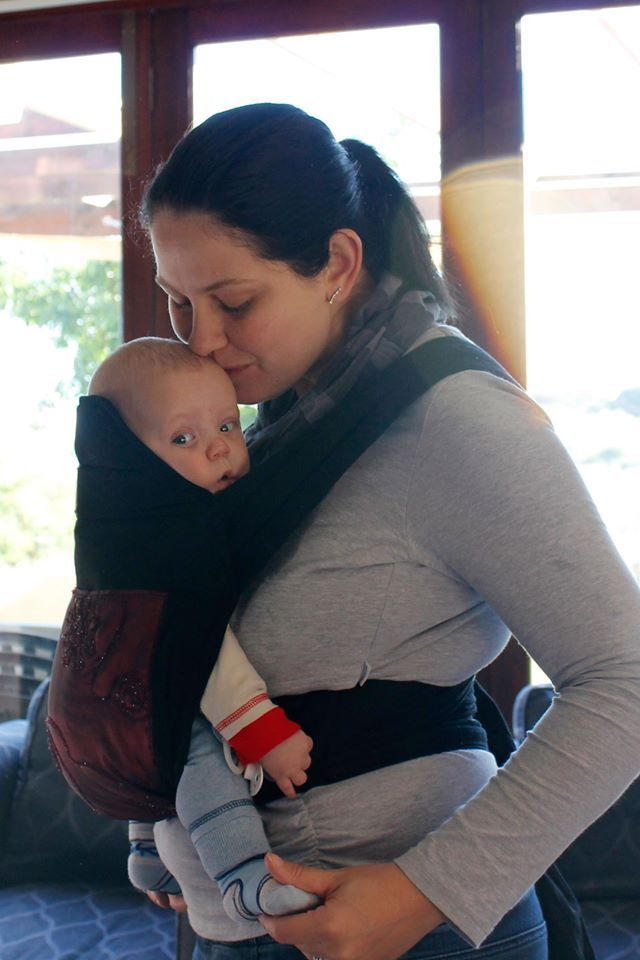 Review: Babywearing with Om Baba Mei Tai and Ergobaby Sport
