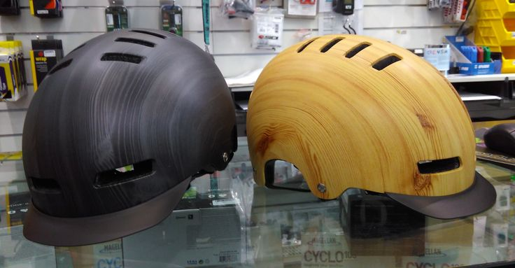Lazer Street Deluxe helmets just got smarter - now they have a retention system and a removable visor