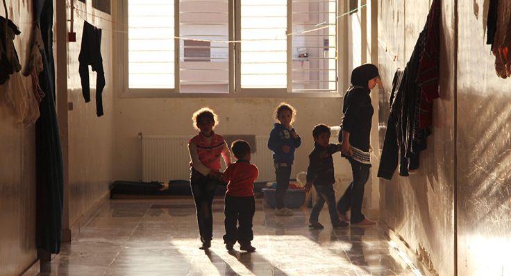 Ελβετία: Προσφυγόπουλα υποβάλλονται σε επικίνδυνες ακτίνες Χ για τον καθορισμό της ηλικίας τους!