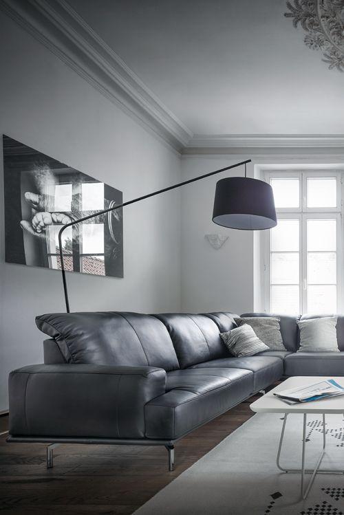 Hier wird jeder zum Softie: Sofa Contur Livorno von Spitzhüttl Home Company. #sofa #leder #einrichtung #möbel #contur