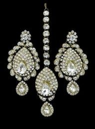 Silver Stone In Gold Plated In A Set Of Earrings And Maang Tika