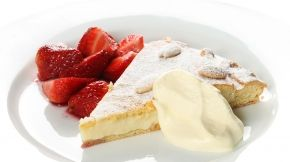 Torta della Nonna with Strawberries in Red Wine. Recipe by Ray McVinnie. Wine match - Lindauer Special Reserve