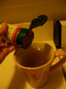 Immunity Tea with Cayenne Pepper: Step by Step Instructions. Being around kids all day I should really drink this more regularly...