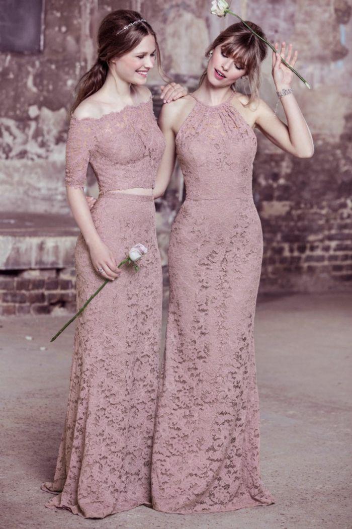 deux jolies modèles de maxi robes demoiselles d'honneur en dentelle couleur vieux rose