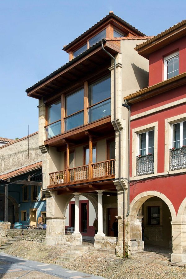 Building With Classic Extreior In Aviles Spain
