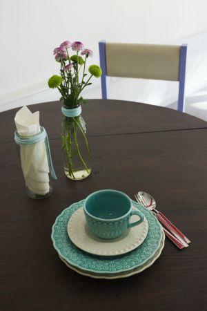#OficinaCC: o mobiliário é reciclado enquanto bebes café | P3