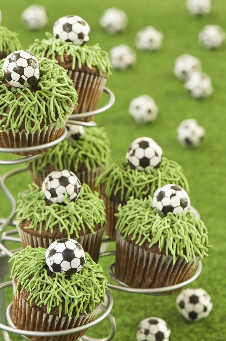 Los mejores cupcakes futboleros para prepararle a tus amigos en esta época mundialista. Quedate con un delicioso sabor de boca al terminar de ver tus partidos favoritos.