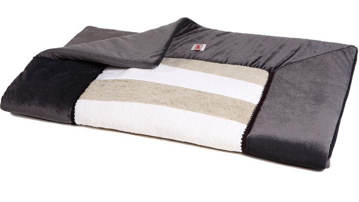 boxkleed - playpen blanket @Fabs World  #playpen blanket #blanket #boxkleed #nursery #baby #warm water #donkergrijs #grey #kidsroom #babyroom #babyuitzet  #velvet #terry #babystuff #babyspullen #babyshower #interior shop:fabsstore.com (ship worldwide)