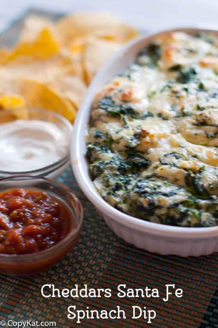 Make Cheddars Santa Fe Spinach Dip, this recipe is so easy, and so tasty.  Enjoy this copycat recipe tonight.