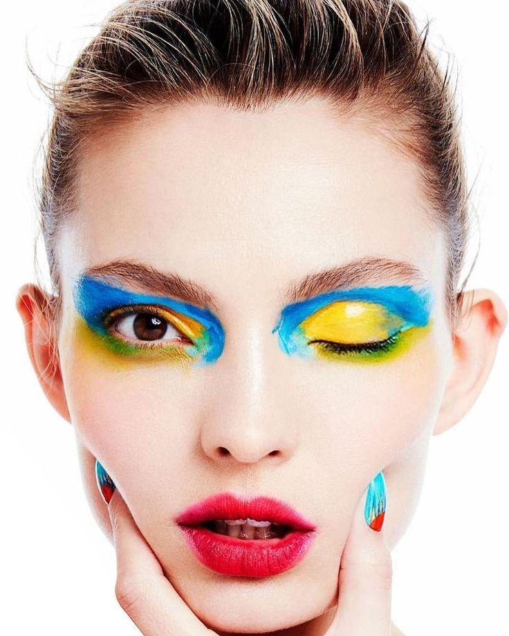 いいね!1,034件、コメント21件 ― Marilyn Agency NYさん(@marilynagencyny)のInstagramアカウント: 「@carolaremer / @voguetaiwan  story by @enriquevegaphoto, makeup @moisesartnyc, hair @elsahair,…」