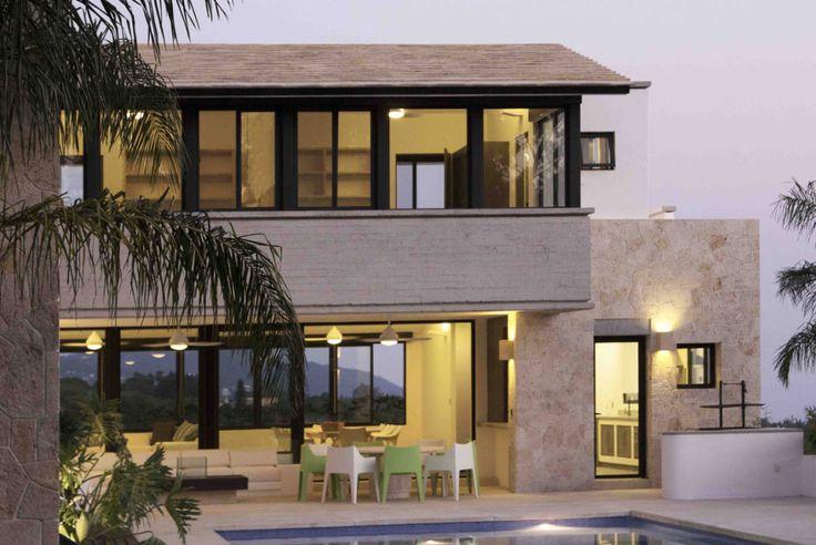 Encuentra las mejores ideas e inspiración para el hogar. Casa Ixtapan de la Sal por Boué Arquitectos | homify