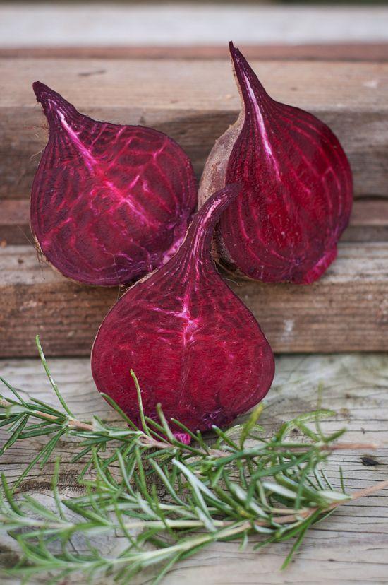 in-season eats: roasted rosemary beets