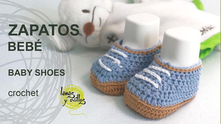 http://www.lanasyovillos.com Tutorial de cómo hacer unos preciosos zapatitos para bebé en español. Encuentra este patrón y muchos más en http://www.lanasyovi...
