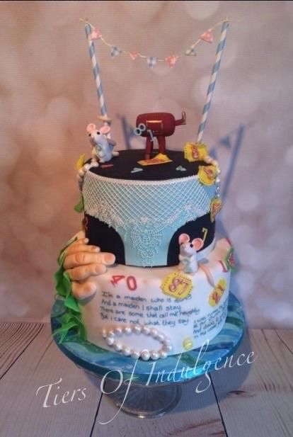 A Hand in the Bird - Roald Dahl - Cake by Tiers of Indulgence