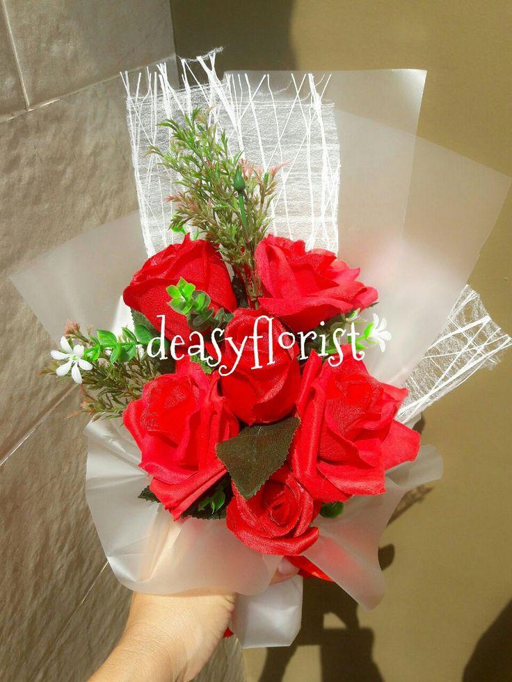 jual bunga,toko bunga,buket,wisuda,nikah,bunga standing,bouquet,hand bouquet,bunga murah,Buket Wisuda,Buket Nikah