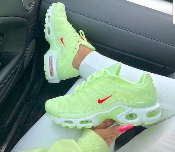 Pin by Ambee on Nike shoes outlet   Nike airmax plus, Nike air max ...