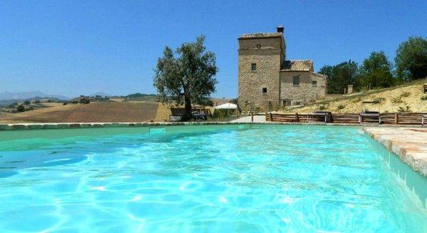 De Italiaanse regio Le Marche is een parel die gelukkig nog niet door massa's mensenis ontdekt. Ann...