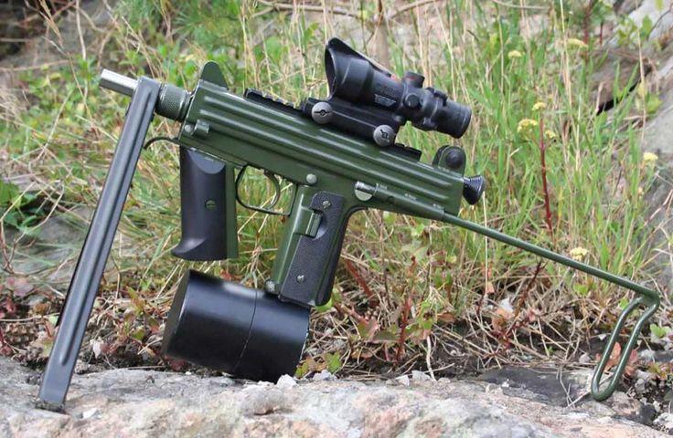 CBJ-MS スウェーデンのCBJ社が開発したPDW。使用弾の6.5mm×25 CBJは互換性が非常に高く、8インチ長の銃身による発射で初速が秒速830mまでに達する高速弾で、ボディアーマーを貫くことも出来る