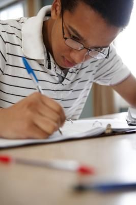 How to Start a College Scholarship Essay